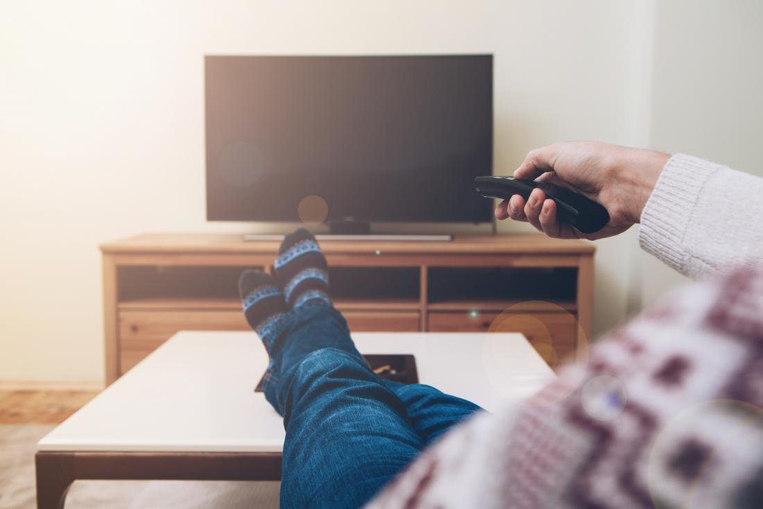 watching TV may be a distraction to help hold in pee