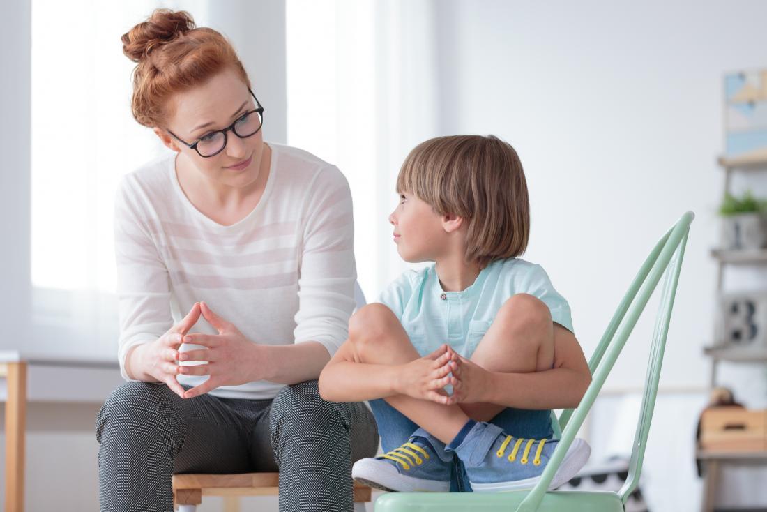 Boy with child psychologist