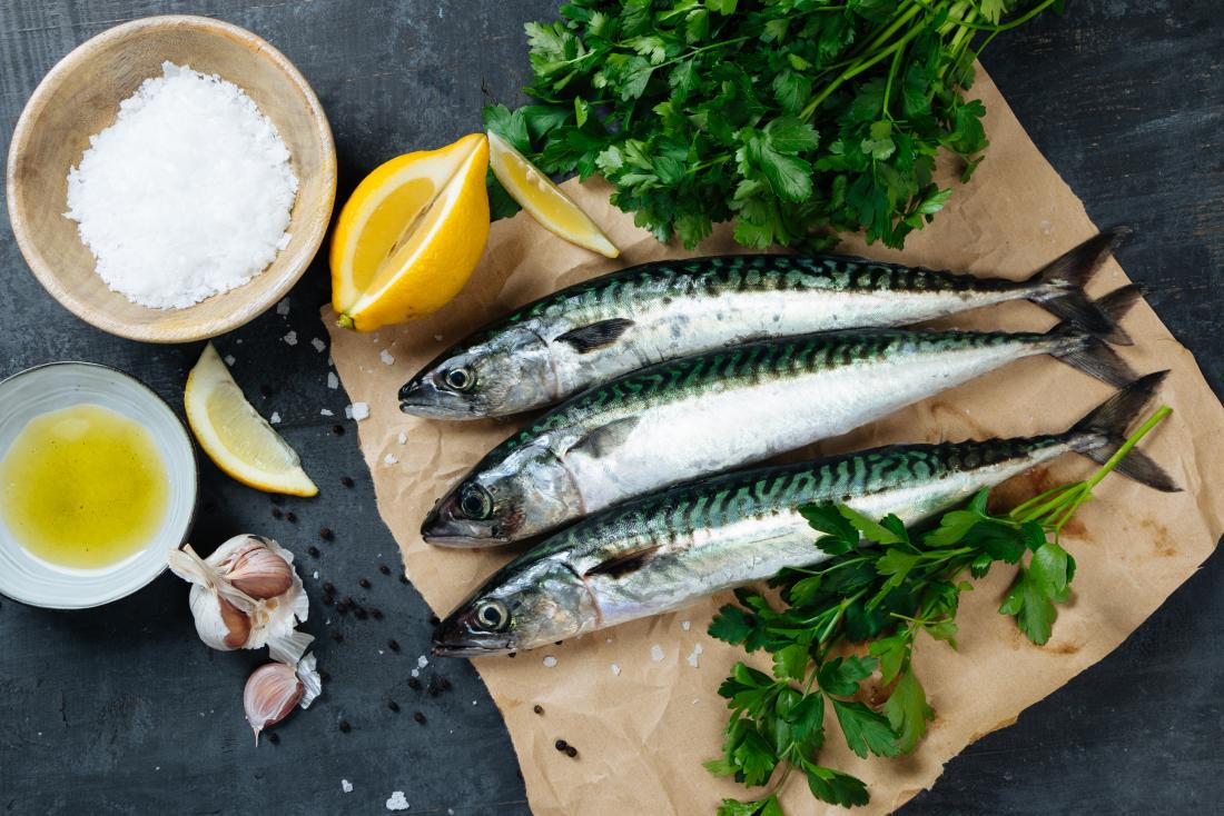 Mackerel on a board may improve HDL cholesterol levels