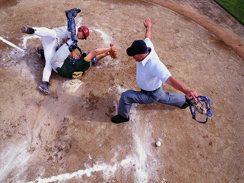 News Picture: High School Pitchers Who Also Catch Prone to Injury