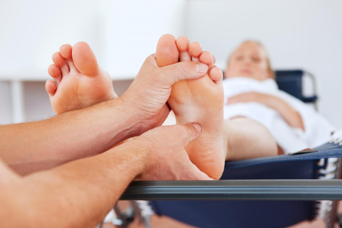 Football massage - Arch rubs