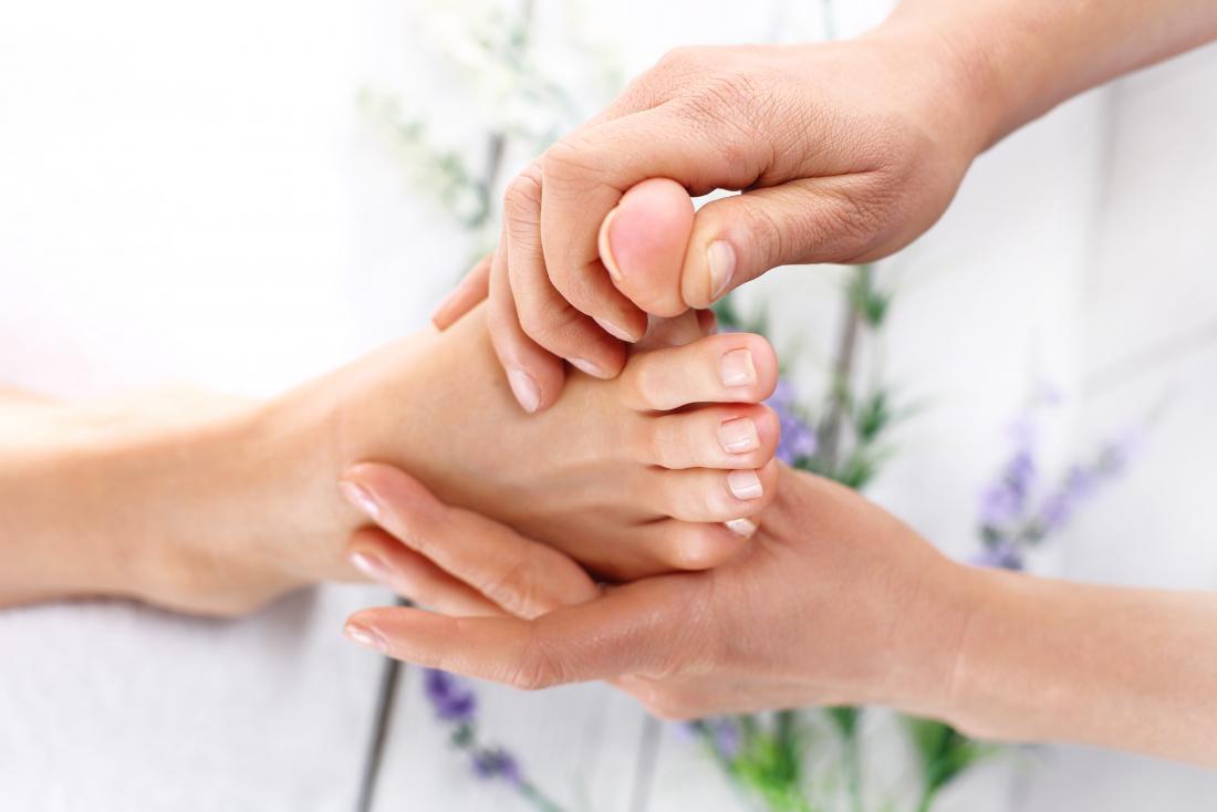 Foot massage - Toe massage