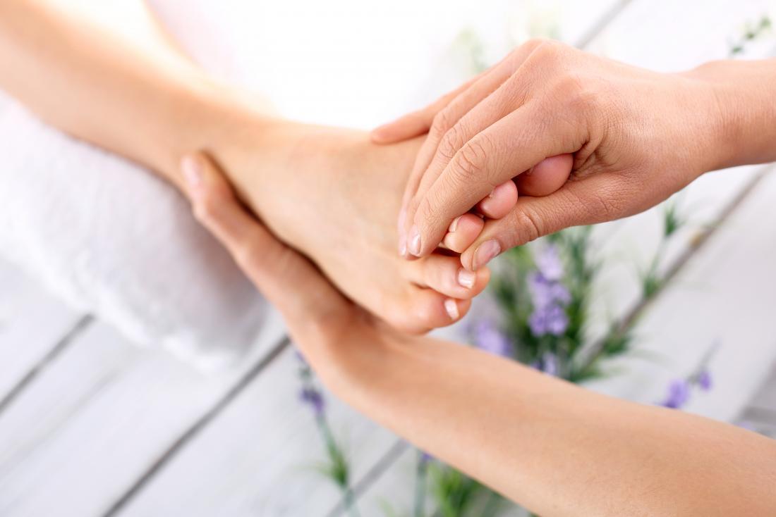 Foot massage - Toe bends