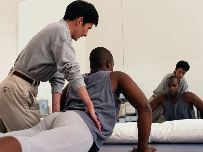 News Picture: Physical Therapy Can Help You Avoid Opioids When Joint Pain Strikes