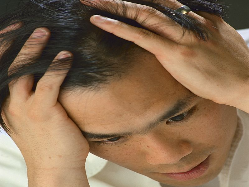 News Picture: Could Estrogen Play a Role in Men's Migraines?