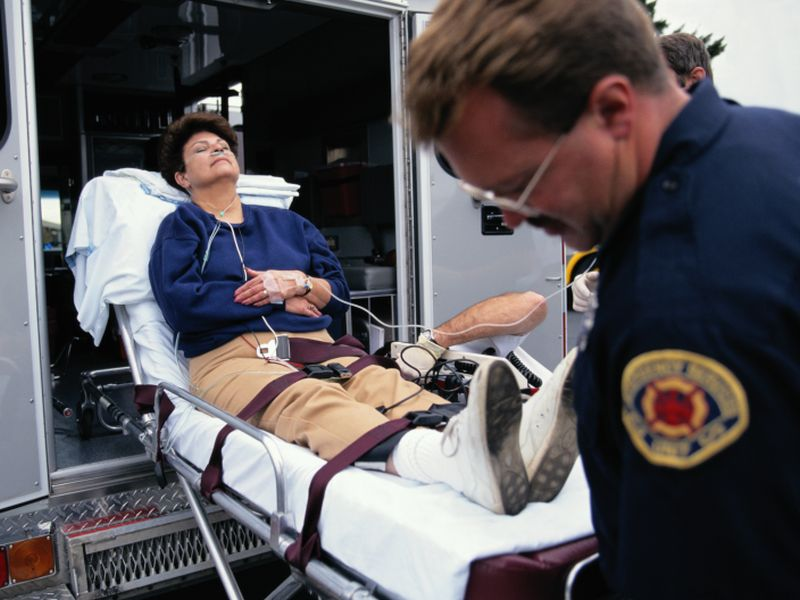 News Picture: Do Paramedics Shortchange Women With Heart Trouble?