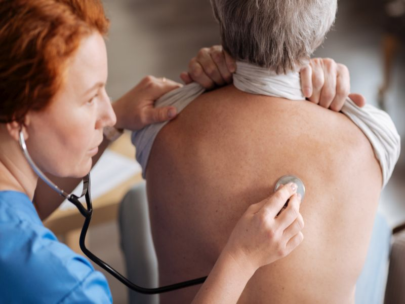 News Picture: Lung Cancer Risk Tied to Common Blood Pressure Drug