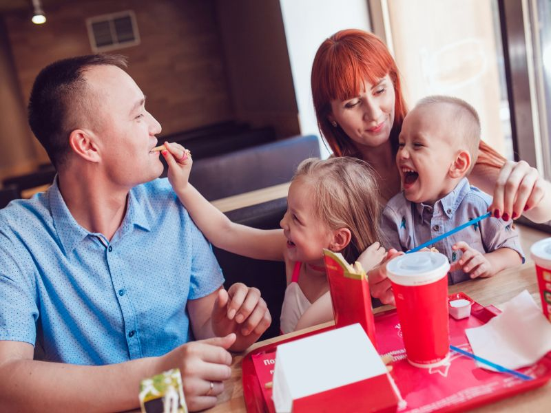 News Picture: Does Your Family Eat Out a Lot? Watch Your Blood Pressure