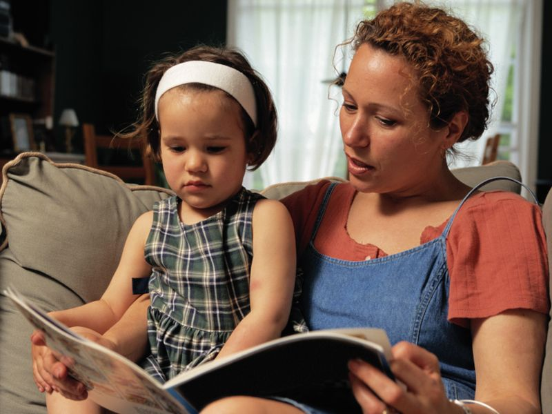 News Picture: Toddlers May Gain More From Paper Books Than E-Books: Study