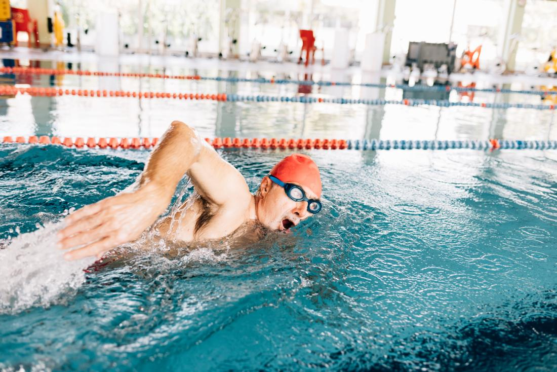 Swimming can benefit the hamstrings without causing pain.