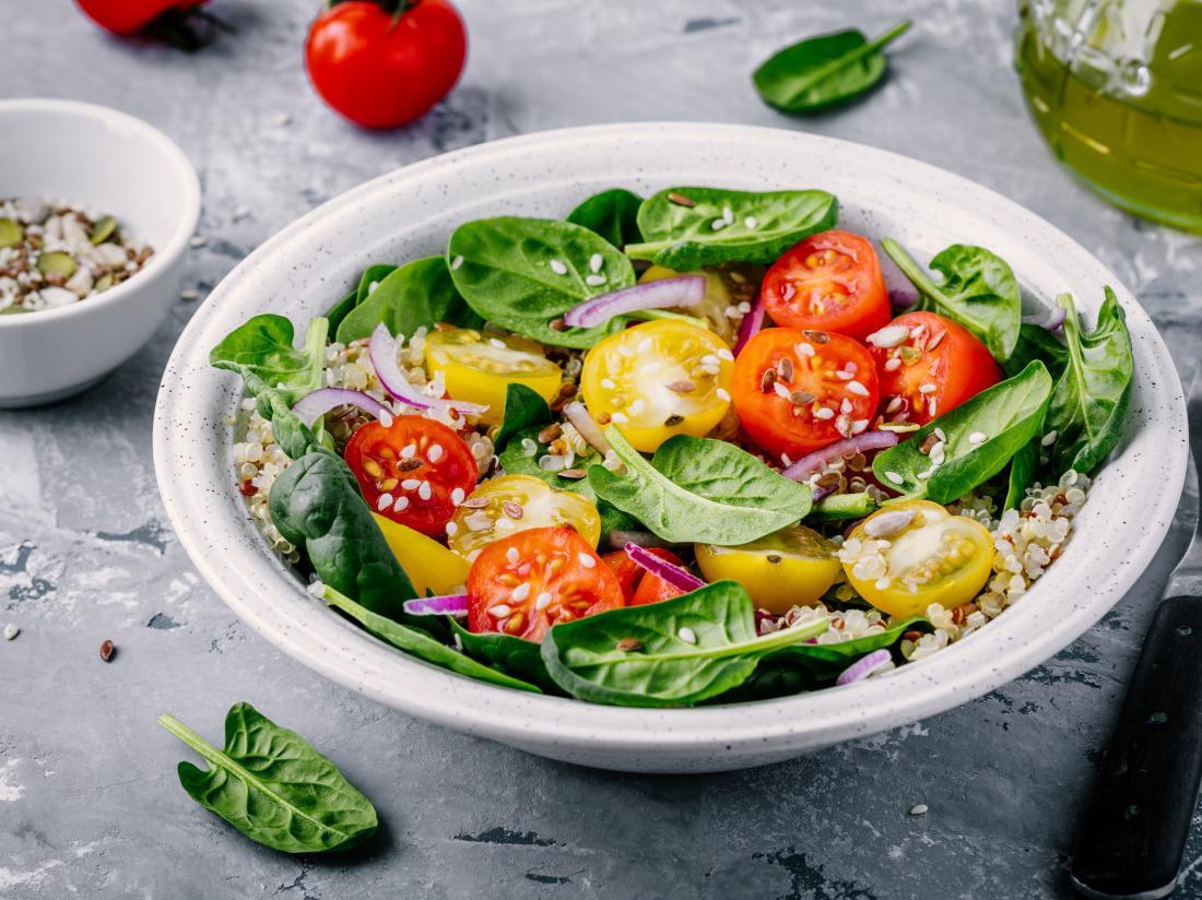 Spinach, tomato, and walnut quinoa