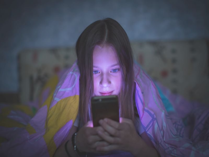 News Picture: Does Taking Screens Away Help Sleep-Deprived Teens?