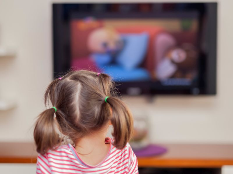 News Picture: TV Not a Good Sleep Aid for Young Kids