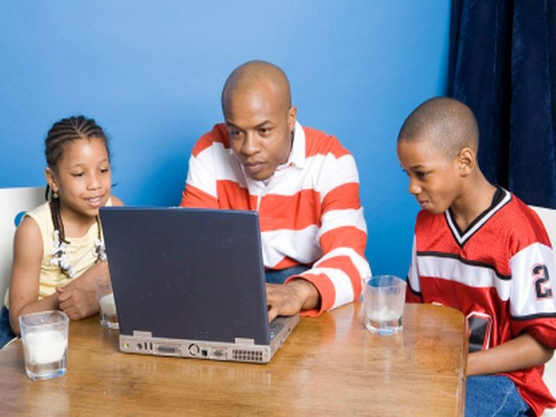 News Picture: How to Put Limits on Your Family's Screen Time