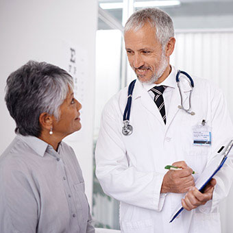 A patient discusses hiccups with her doctor.