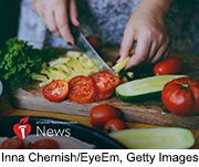 News Picture: AHA News: These Diets Helped Women With Diabetes Cut Heart Attack, Stroke Risk