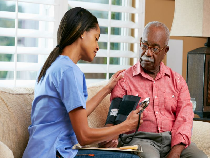 News Picture: Many Poor, Minority Seniors Get Cancer Diagnosis in the ER
