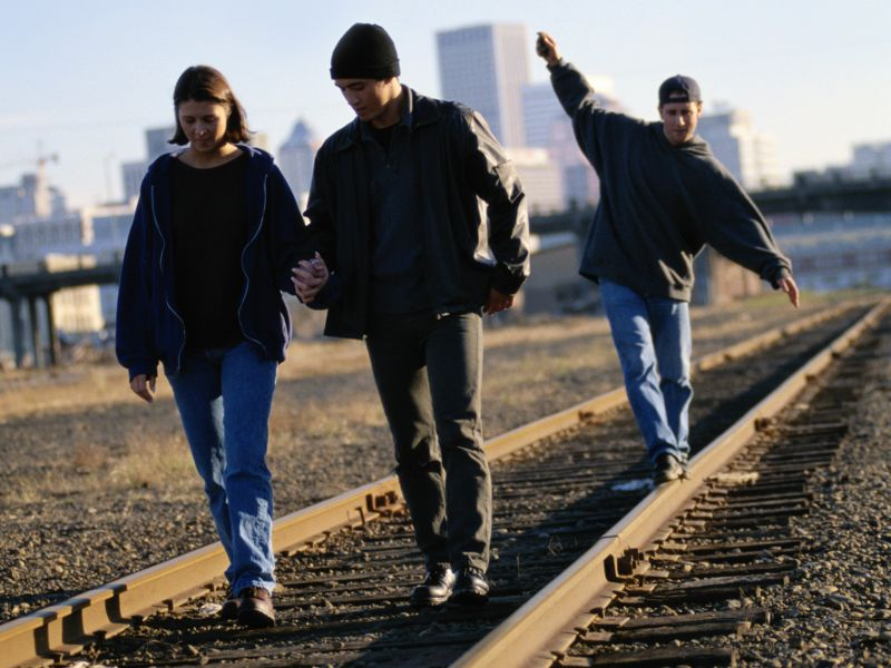 News Picture: Train Tracks Deadly for Kids, But Many Parents Underestimate the Danger