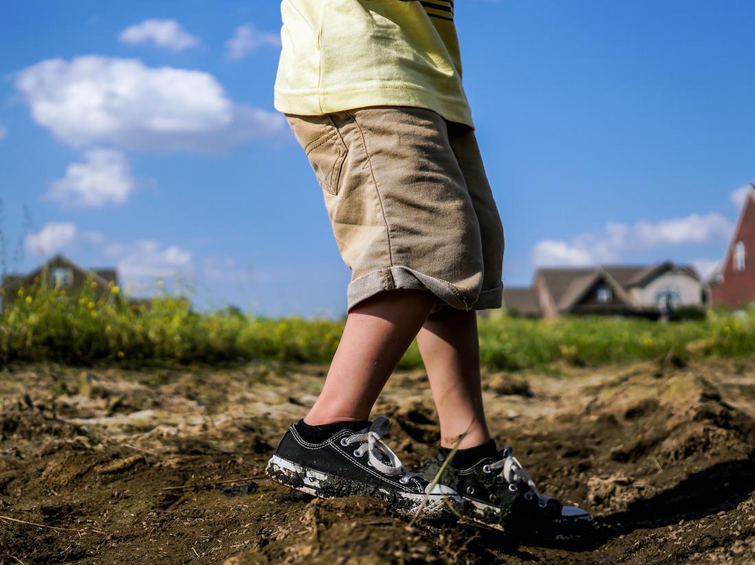 a child struggling to walk because of Acute cerebellar ataxia