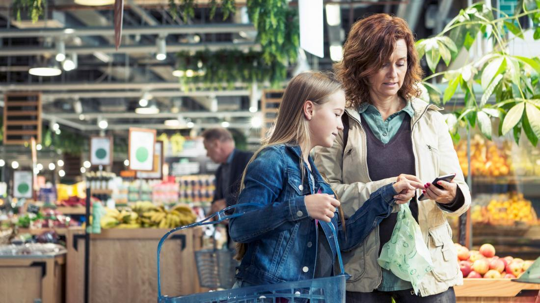a mother and daughter shopping for keto diet foods