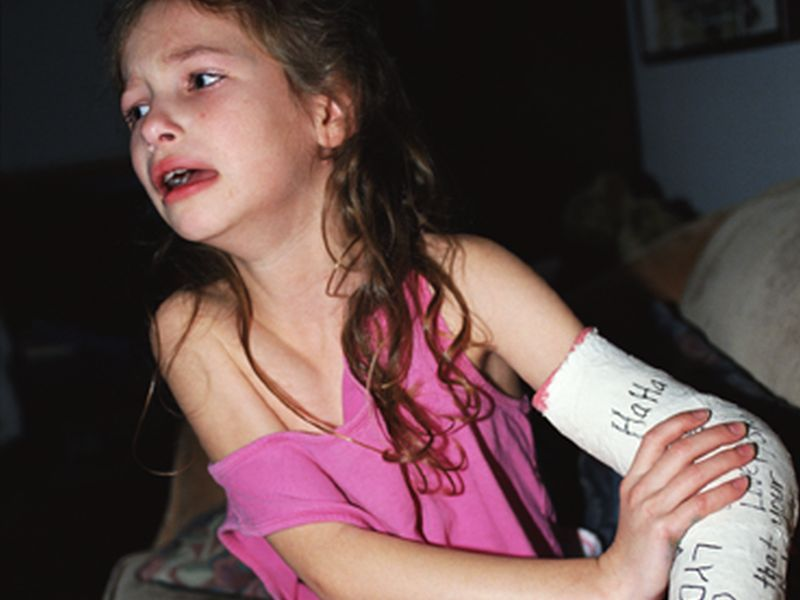 News Picture: What's the Best Treatment for a Child's Broken Bone?