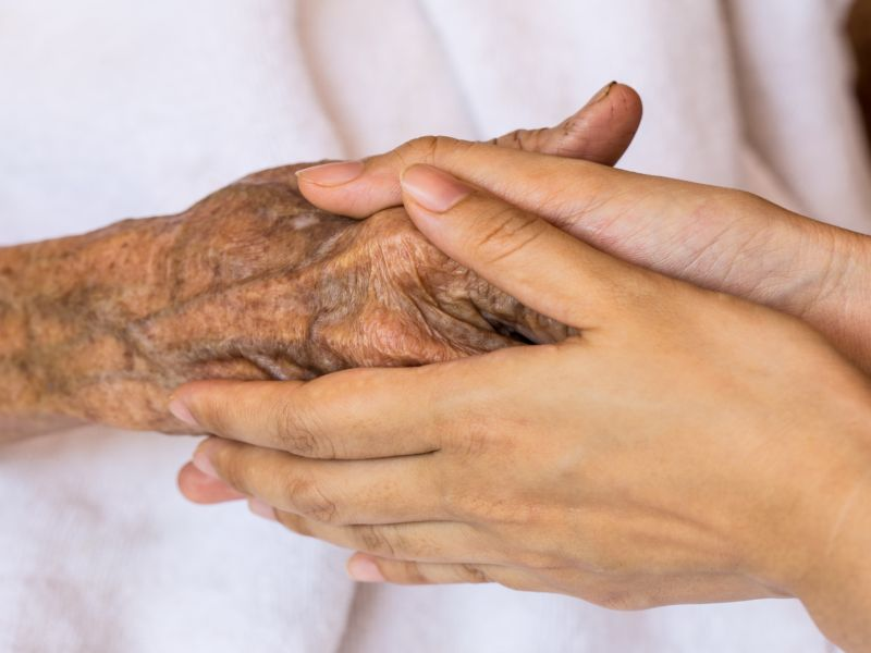 News Picture: Family Members Are Swiping Hospice Patients' Painkillers: Study