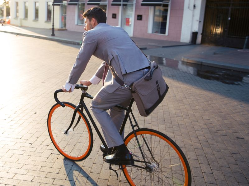 News Picture: Heading to Work on a Bike? You Might Live Longer