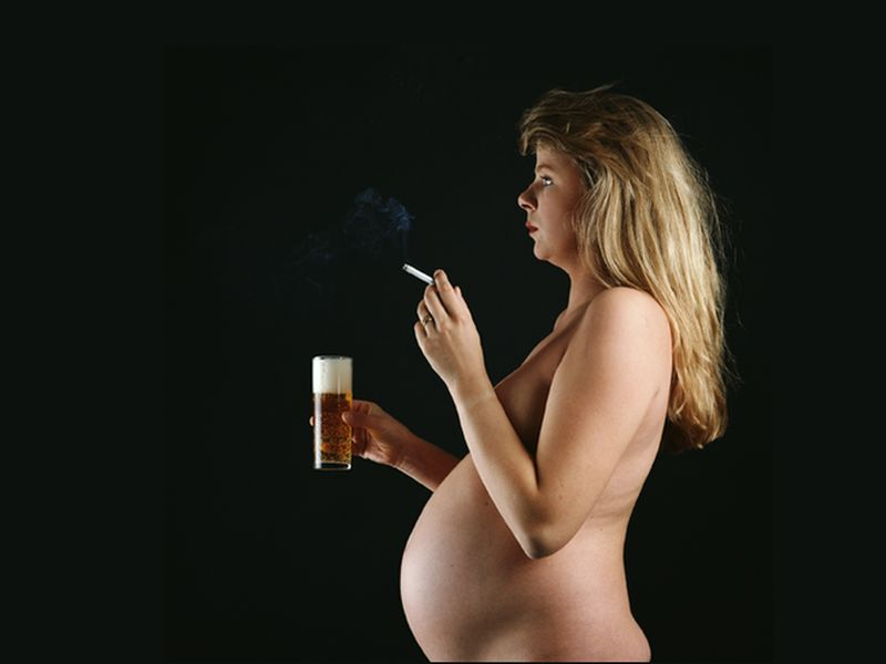 News Picture: Pregnant Moms Who Smoke, Drink Put Babies at Risk of SIDS: Study
