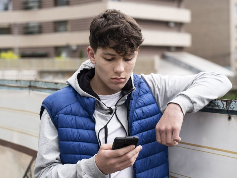 News Picture: Texting Trauma: Many Teens Suffer 'Digital Dating Abuse'