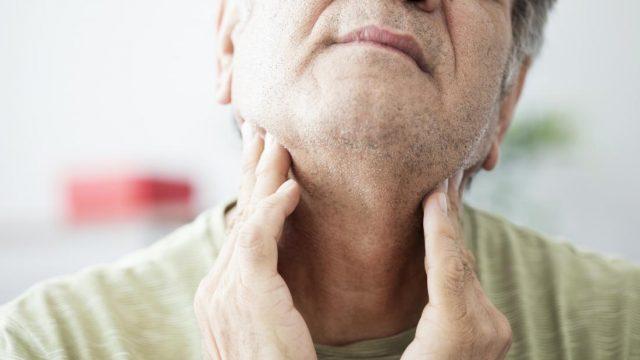 Dolor de garganta en un solo lado