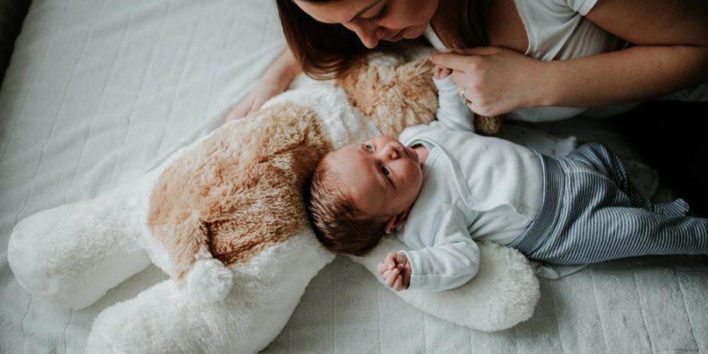 How to treat eye discharge in newborns