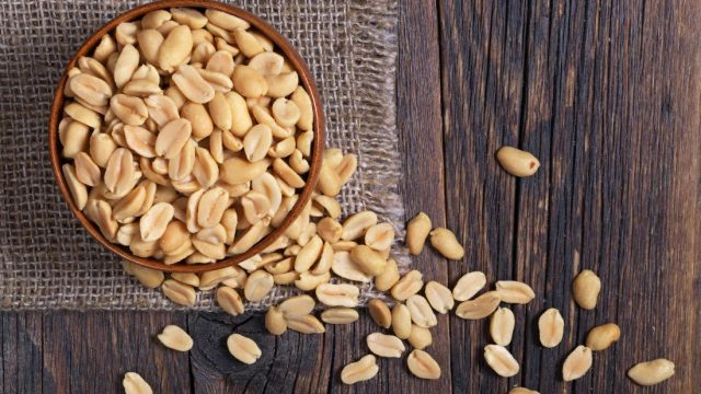 What are the nutritional benefits of peanuts?
