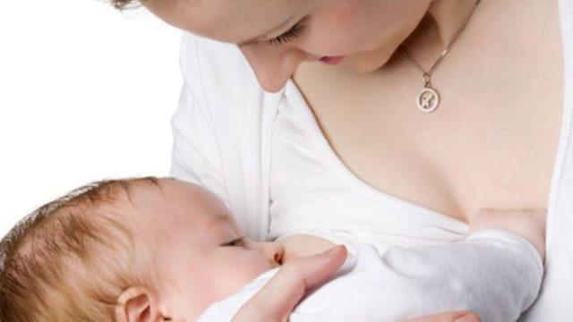 Breastfeeding Brings a Heart Bonus for Mom