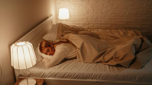 Artificial light during sleep puts women at risk of obesity