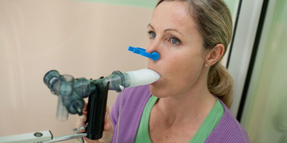 What tests are used to diagnose COPD?