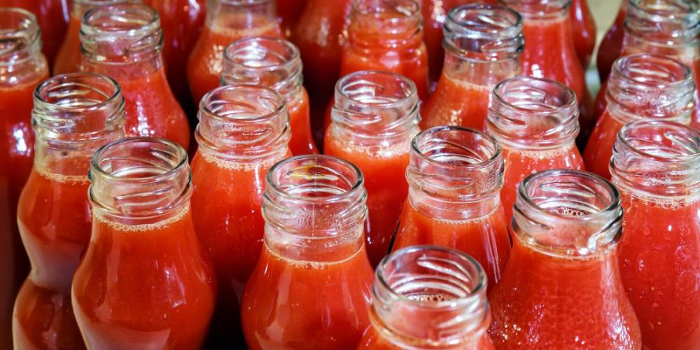 Tomato juice: Could 1 cup per day keep heart disease at bay?