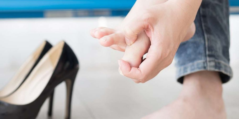 Blisters between the toes: Causes and treatments