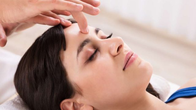 Can acupressure relieve headaches?