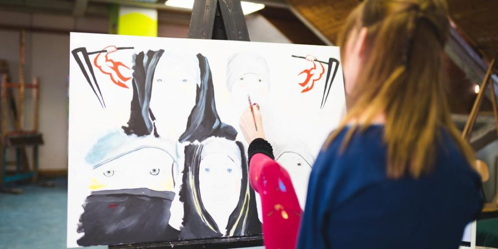 Study of foot painters adds to evidence of brain's adaptability