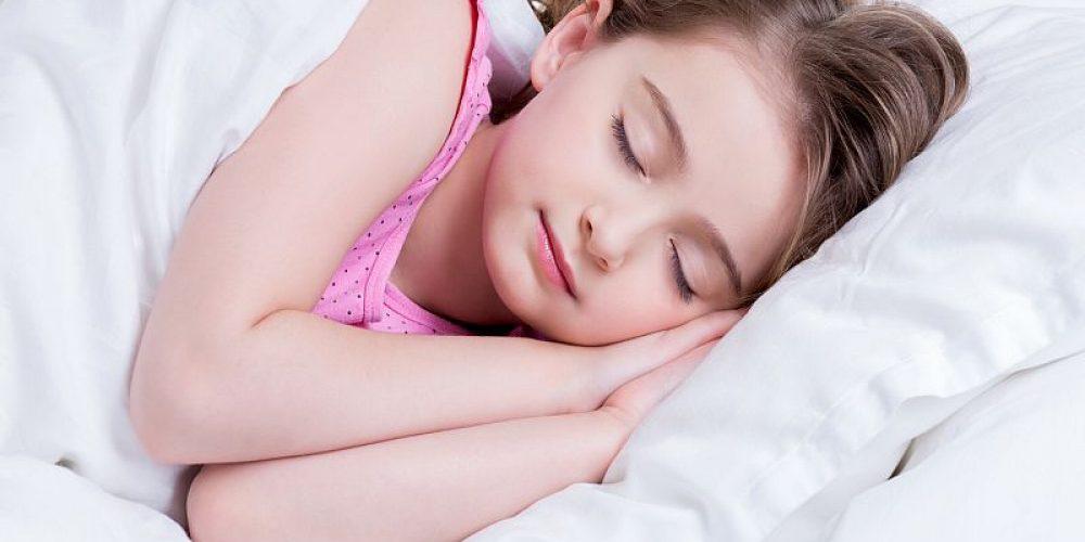 Earlier Bedtimes Help Kids Fight Obesity
