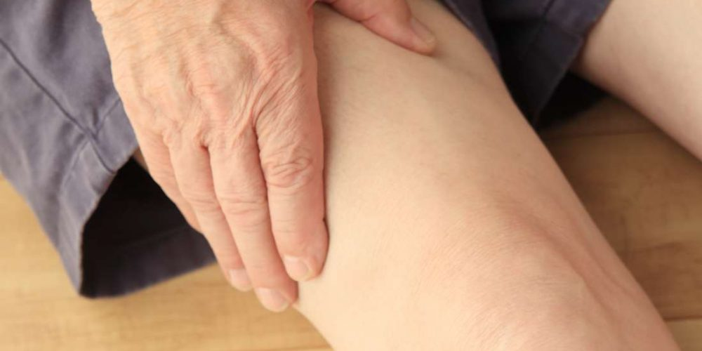 What causes numbness in the thigh?