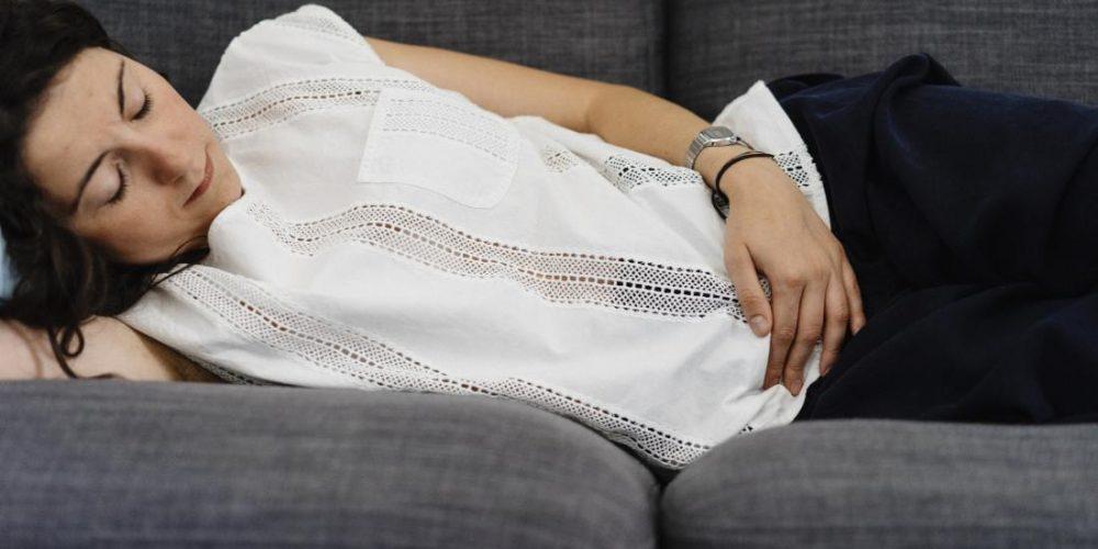 What causes pelvic pain?