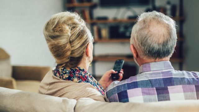 Excessive daily TV at older age tied to poorer memory