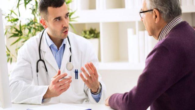 Give Seniors a Memory Check at Annual Checkups, Experts Say
