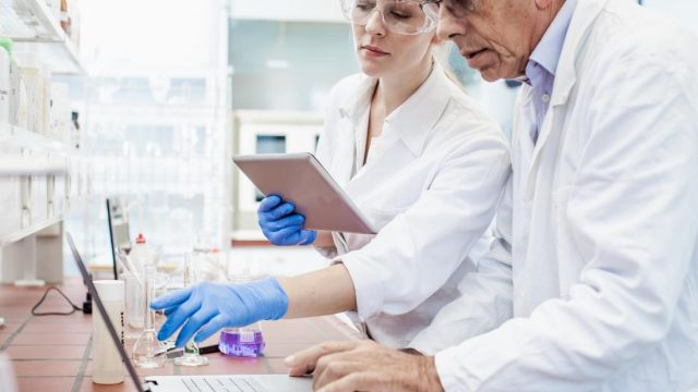 Novel Alzheimer's drug passes first phase of human testing