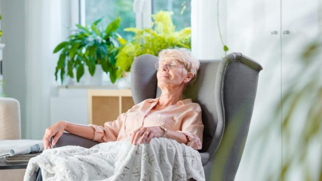 Short sleep may harm bone health in older women