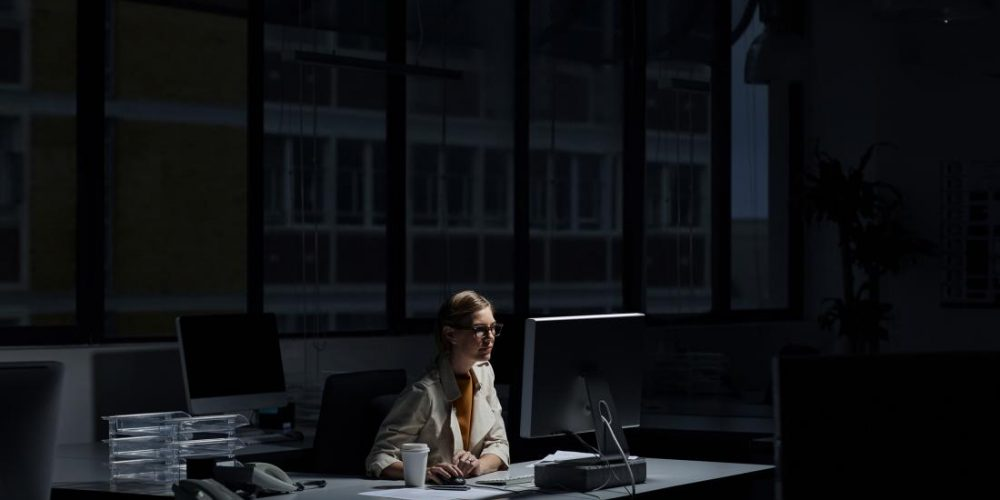 Working long hours increases depression risk in women