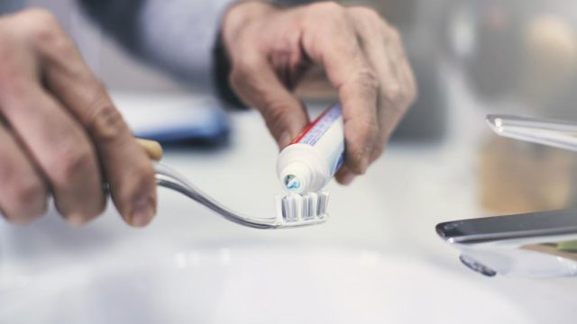 Brushing your teeth may keep your heart healthy