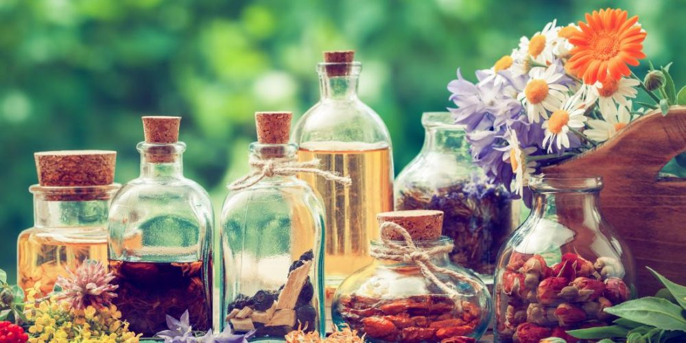 What is an herbal tincture? Recipes and uses