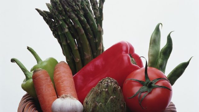 Eating More Veggies Won't Stop Prostate Cancer: Study